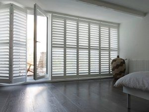 Made-to-Measure-Blinds-Electric-Roman-Roller-Blind-Service